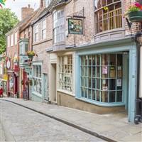 Lincoln Steep Hill Shopping Lanes